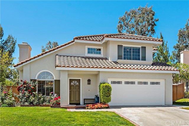Photo of 40 Las Castanetas, Rancho Santa Margarita, CA 92688 (MLS # OC21125892)