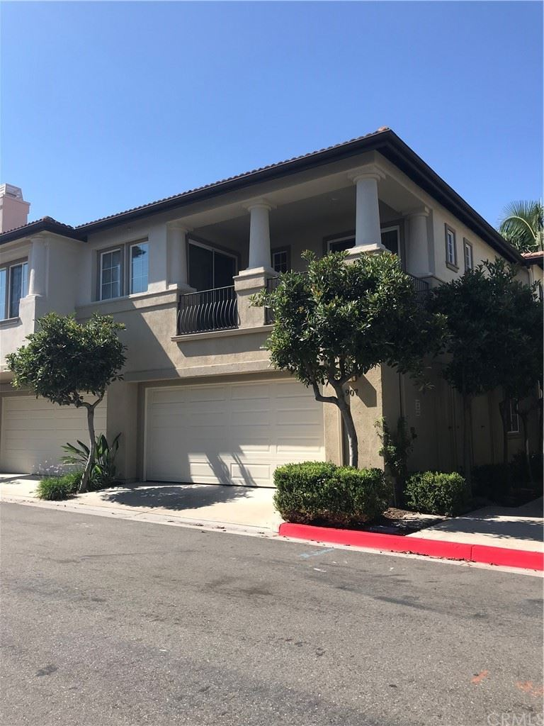 Photo of 907 Somerville, Irvine, CA 92620 (MLS # OC21225892)