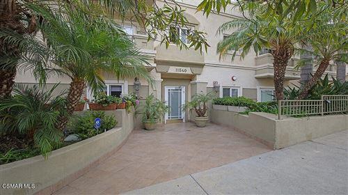 Photo of 11540 Rochester Avenue #Ph2, Los Angeles, CA 90025 (MLS # 221004893)