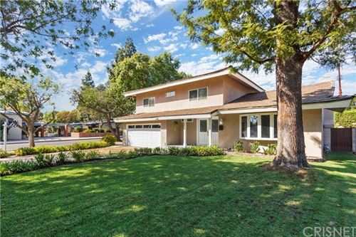 Photo of 18915 Kinzie Street, Northridge, CA 91324 (MLS # SR20207893)