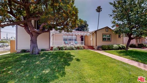 Photo of 2700 SELBY Avenue, Los Angeles, CA 90064 (MLS # 20594894)