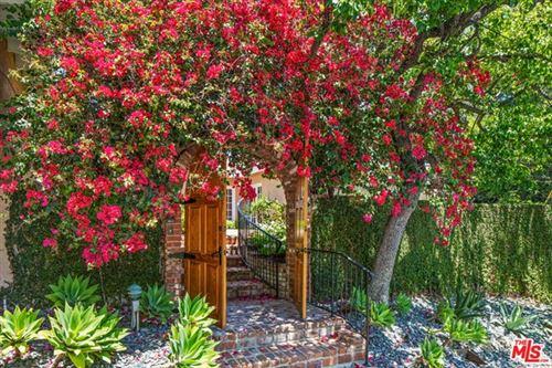 Photo of 912 Honeywood Road, Los Angeles, CA 90049 (MLS # 21745894)