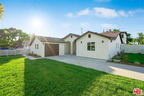 Photo of 17501 Arminta Street, Northridge, CA 91325 (MLS # 21768894)