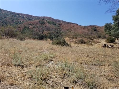 Photo of 26385 Josel Drive, Canyon Country, CA 91380 (MLS # SR20213894)