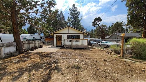 Photo of 953 Spruce Lane, Big Bear, CA 92314 (MLS # PW21095896)