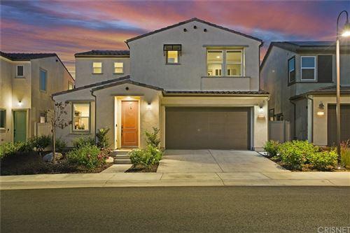 Photo of 18229 Brightstar Place, Saugus, CA 91350 (MLS # SR21204897)