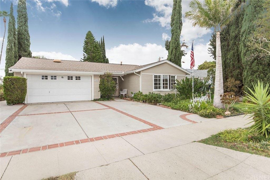Photo of 15850 Simonds Street, Granada Hills, CA 91344 (MLS # SR21152897)