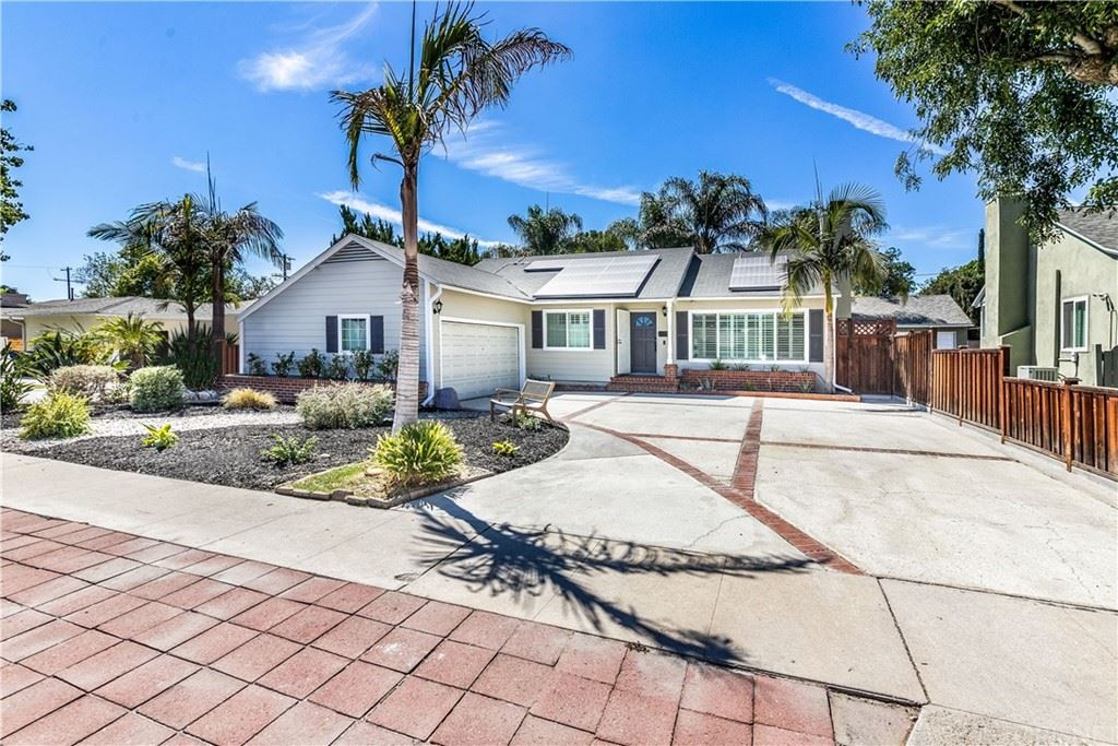 7027 Lasaine Avenue, Lake Balboa, CA 91406 - MLS#: SR21197897
