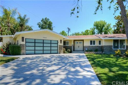 Photo of 23414 Clarendon Street, Woodland Hills, CA 91367 (MLS # TR20098898)