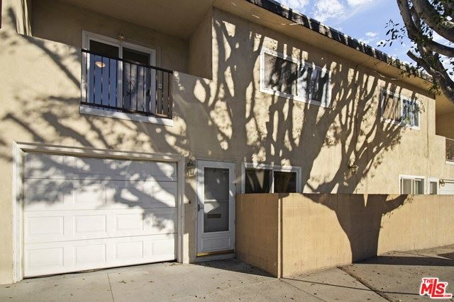 Photo for 10856 Morrison Street #2, North Hollywood, CA 91601 (MLS # 21692898)