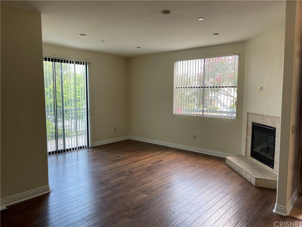 Photo of 1159 Melrose Avenue #101, Glendale, CA 91202 (MLS # SR21135898)