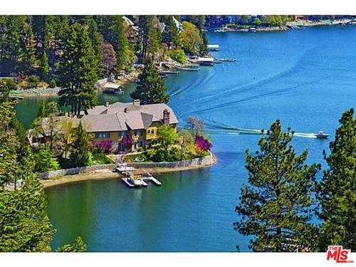 Photo of 177 SHOREWOOD Drive, Lake Arrowhead, CA 92352 (MLS # 11513899)
