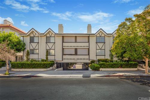 Photo of 5230 Zelzah Avenue #9, Encino, CA 91316 (MLS # DW21158900)