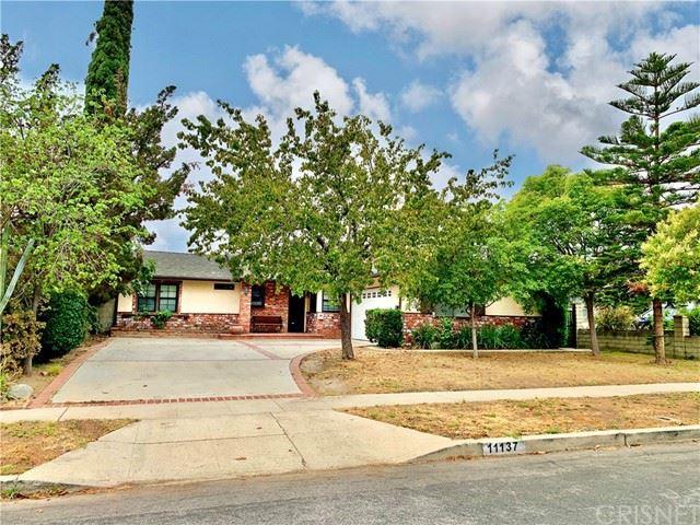 Photo of 11137 Gaviota Avenue, Granada Hills, CA 91344 (MLS # SR21122900)