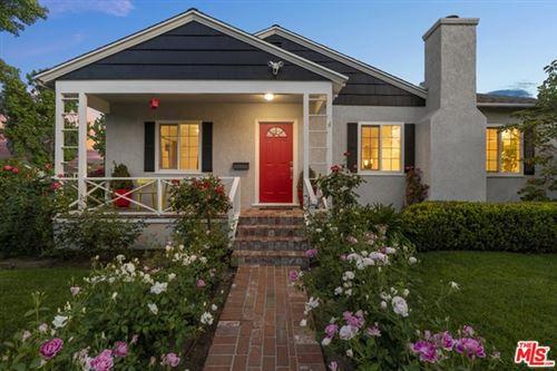 Photo of 17320 Collins Street, Encino, CA 91316 (MLS # 21729902)