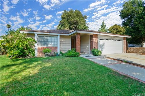 Photo of 8365 Darby Avenue, Northridge, CA 91325 (MLS # SR21158902)