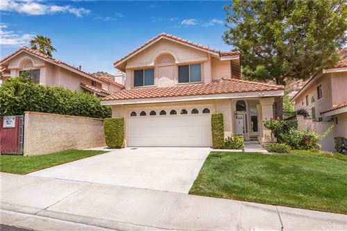 Photo of 29260 Marilyn Drive, Canyon Country, CA 91387 (MLS # SR21162902)