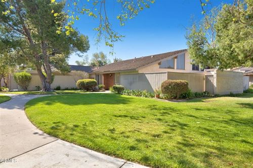 Photo of 414 W Vineyard Avenue, Oxnard, CA 93036 (MLS # V1-4902)