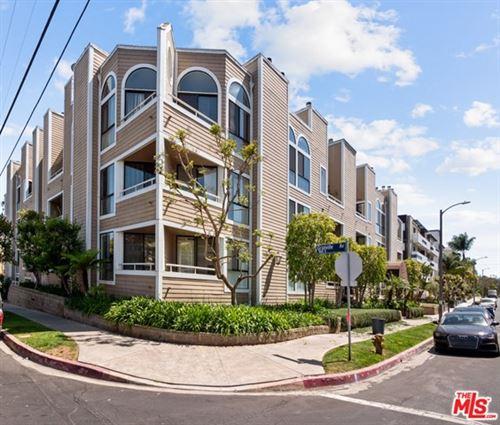 Photo of 11808 Dorothy Street #102, Los Angeles, CA 90049 (MLS # 21741904)