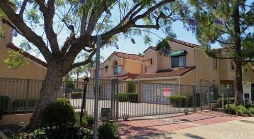 Tiny photo for 5906 Etiwanda Avenue #25, Tarzana, CA 91356 (MLS # CV21148904)