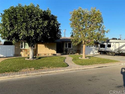 Photo of 2909 W Elmlawn Drive, Anaheim, CA 92804 (MLS # OC21014904)