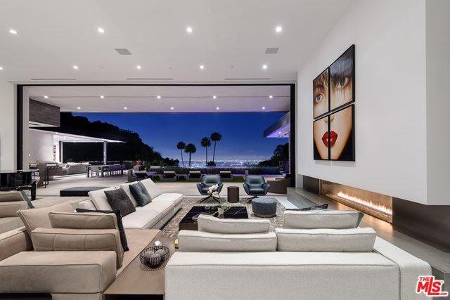 Photo of 9200 SWALLOW Drive, Los Angeles, CA 90069 (MLS # 20658904)