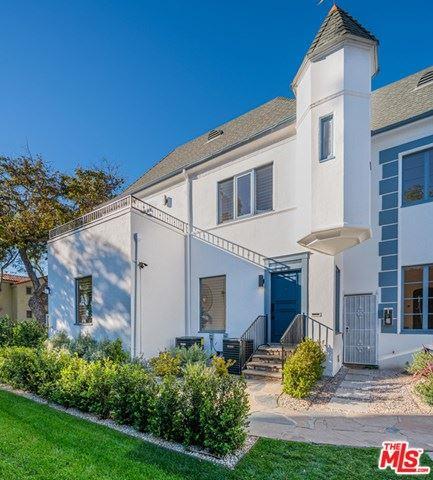 Photo of 1/2 N Hayworth Avenue, West Hollywood, CA 90046 (MLS # 21691904)