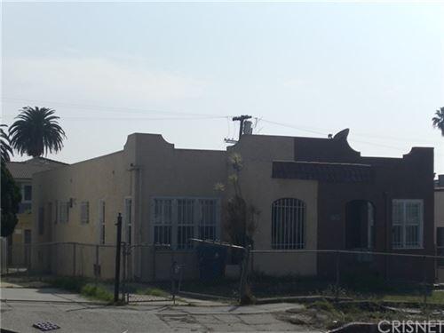 Photo of 4460 Maplewood Avenue, Los Angeles, CA 90004 (MLS # SR20224905)