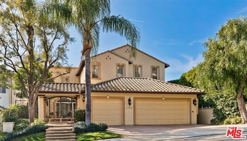 Photo of 1734 CHASTAIN, Pacific Palisades, CA 90272 (MLS # 20547906)