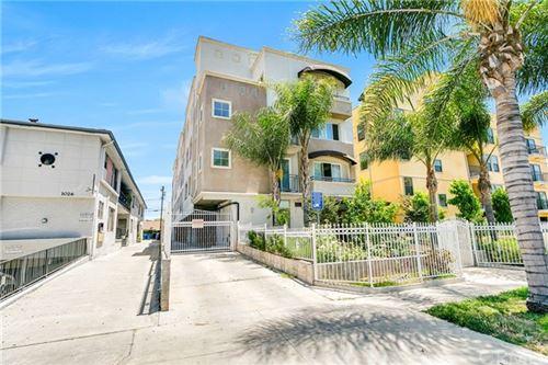 Photo of 1030 S Norton Avenue #8, Los Angeles, CA 90019 (MLS # OC20133906)