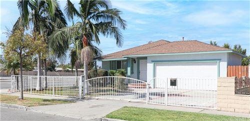 Photo of 1241 Camden Place, Santa Ana, CA 92707 (MLS # OC21206906)