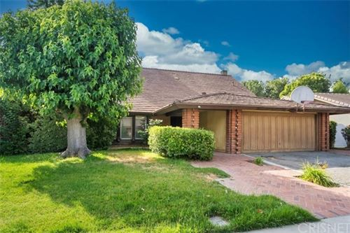 Photo of 23766 Via Helina, Valencia, CA 91355 (MLS # SR20102907)