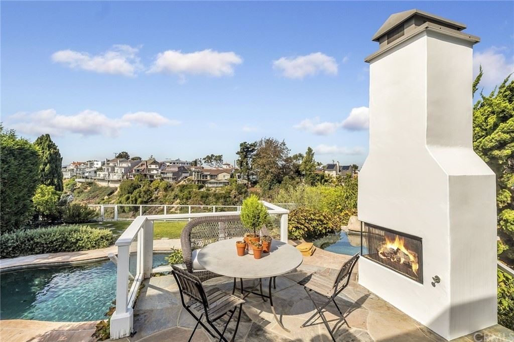 Photo of 416 De Sola, Corona del Mar, CA 92625 (MLS # NP21103908)