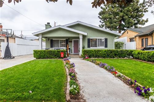 Photo of 422 N Griffith Park Drive, Burbank, CA 91506 (MLS # BB21074909)