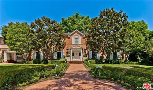 Photo of 910 N Roxbury Drive, Beverly Hills, CA 90210 (MLS # 21771910)