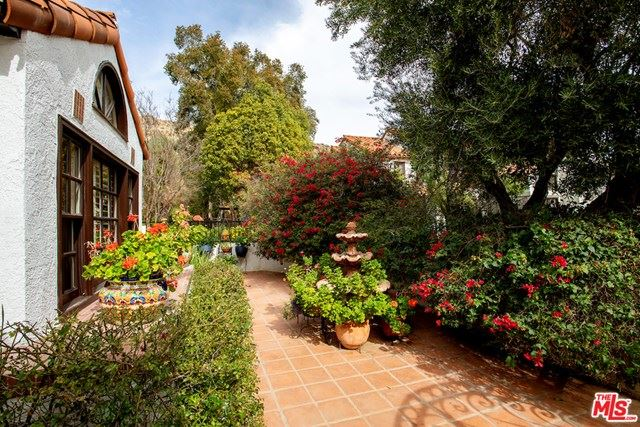 Photo of 5653 Brookmont Terrace Court, Westlake Village, CA 91362 (MLS # 21690910)