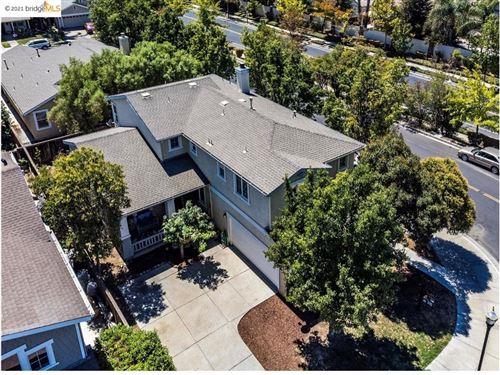 Photo of 960 Finn Way, Brentwood, CA 94513 (MLS # 40952911)