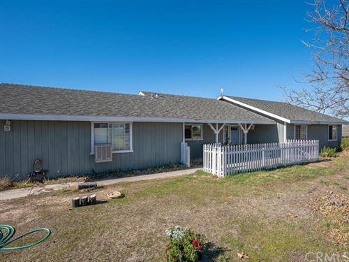Photo of 8255 Plane View Place, Paso Robles, CA 93446 (MLS # NS21038911)