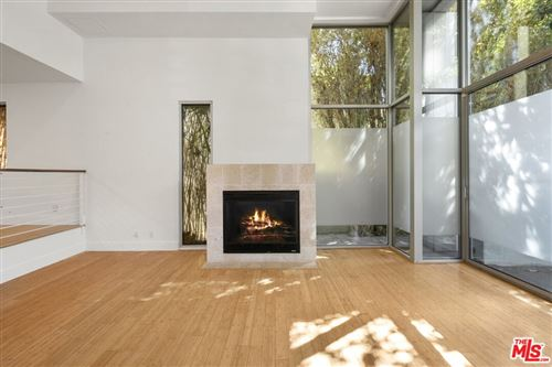 Photo of 916 N West Knoll Drive, West Hollywood, CA 90069 (MLS # 21780912)