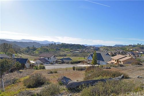 Photo of 3660 Persimmon Place, Paso Robles, CA 93446 (MLS # NS20032912)