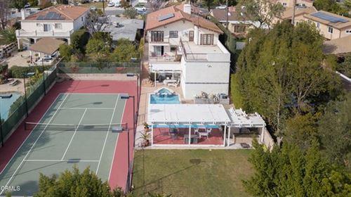 Photo of 1044 E Providencia Avenue, Burbank, CA 91501 (MLS # P1-2913)