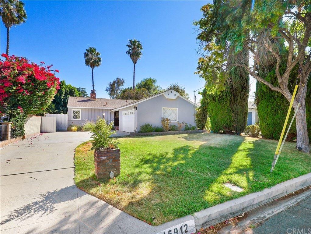 Photo of 15912 Leadwell Street, Lake Balboa, CA 91406 (MLS # BB21202913)