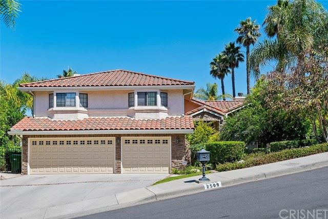 Photo of 2509 Crown View Court, Thousand Oaks, CA 91362 (MLS # SR20129913)