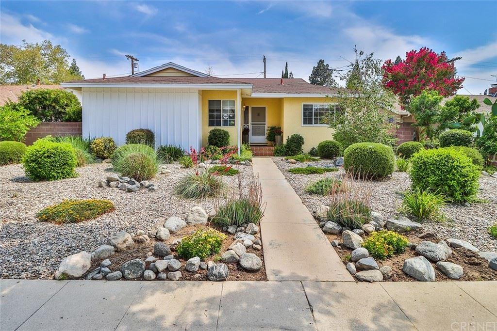 Photo of 16302 Los Alimos Street, Granada Hills, CA 91344 (MLS # SR21140913)