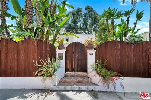 Photo of 2030 Holly Hill Terrace, Los Angeles, CA 90068 (MLS # 21773914)