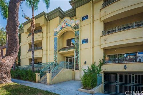 Photo of 620 E Palm Avenue #205, Burbank, CA 91501 (MLS # 320004914)