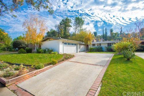 Photo of 22906 Calabash Street, Woodland Hills, CA 91364 (MLS # SR21003914)