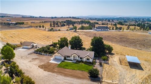 Photo of 4880 Lamplighter Way, Paso Robles, CA 93446 (MLS # NS20185915)