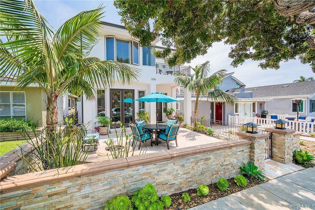 Photo of 706 Larkspur Avenue, Corona del Mar, CA 92625 (MLS # OC21155915)