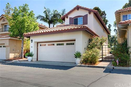 Photo of 12 Via Helena, Rancho Santa Margarita, CA 92688 (MLS # OC20146916)